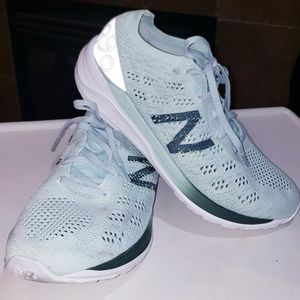 NEW BALANCE 890V7 KNIT RUNNING ATHLETIC SHOES 😍